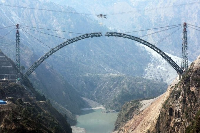 Bottom arch construction of the Chenab Bridge